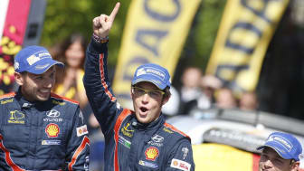 Thierry Neuville og Nicolas Gilsoul, Hyundai Shell World Rally Team