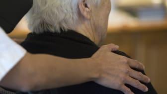 Ny studie vid Umeå universitet kommer visa hur immunsvaret mot covid-19 hos vaccinerade äldre personer, ändras över tiden.