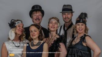Maria Lindstedt från Lindesberg (längst till vänster) är en av de nya aktörerna i Teater Ruths sommarrevy.