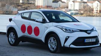 De välkända röda prickarna får en mer framträdande roll i den nya dekoren på Securitas bilar.