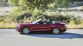 FORD MUSTANG 2017 (9)