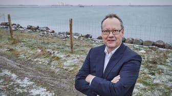 Forretningschef Steffen Johnsen ved byggepladsen i Rødby - Patrick Kirkby Photography