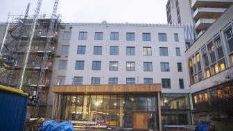 Den nya vårdbyggnaden vid Nyköpings lasarett  ska stå klar för inflyttning vid årsskiftet 2021/2022
