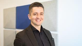 AddMobiles försäljningschef Rasid Becirovic besvarar fem vanliga frågor om elektroniska körjournaler. Foto: AddMobile AB