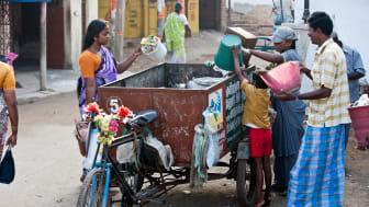 Avfallshantering på gata i Tamil Nadu.