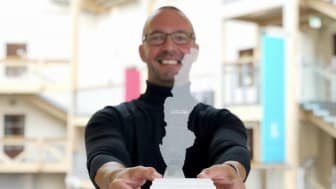 Matts Nyman leder BizMakers inkubator i Västernorrland. Inför Scandinavian Startup Week har en officiell gåva tagits fram för överlämning till kanadensiska inkubatorer, innovationshubbar och handelskontor.