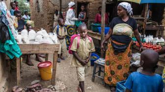 Spès Nihangaza. Barnrättshjälte i Burundi stöttar föräldralösa barn