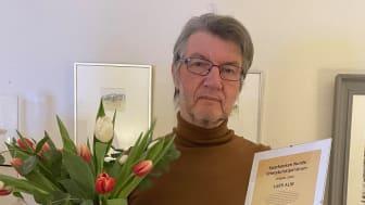 Lars Alm får Sparbanken Nords litteraturstipendium 2020 för sin kulturinsats för Kiruna. Foto: Irene Alm