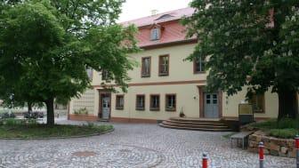 Rathaus in Großpösna: Auch hier wird in Kürze das schnelle Internet über Glasfaser für die Bürger zur Verfügung stehen.