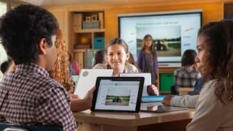 I mjukvaran SMART amp jobbar eleverna på samma arbetsyta i realtid via sina olika digitala enheter.