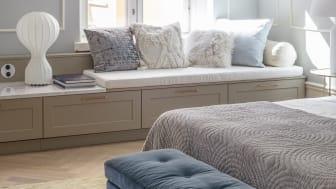 Soveværelse med lav bænk