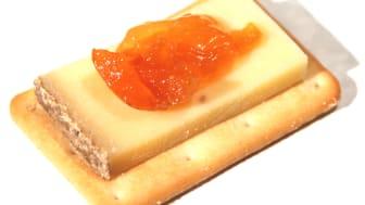 Saltiner med comte och aprikosmarmelad