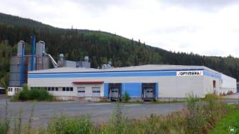 Fra Meråker kommunes fabrikklokaler vil Optimera Byggsystemer ekspandere videre nordover med produksjon av skreddersydde bygningselementer (bilde er manipulert/logo montert inn).