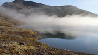 Ellasjøen på Bjørnøya er hjemmet til verdens nordligste ferskvannsfisk, ishavsrøya. (Foto: Guttorm Christensen, Akvaplan-NIVA)
