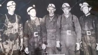 Gruvarbetare i Stripa gruva på 1960-talet - från vänster Bertil Gustafsson, Veiko Kivijärvi och Viktor Östlund samt Hugo Olson och Erkki Hirvonen som båda omkom i en sprängolycka i gruvan 1964.