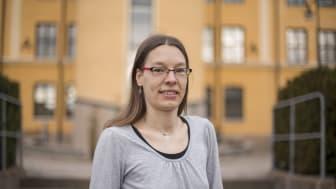 Sonja Leidenberger, lektor i biovetenskap och forskare vid Högskolan i Skövde har genomfört en pilotstudie för att inventera beståndet av den invasiva främmande arten ullhandskrabba i Vänern. Studien visar på en ökad förekomst av arten under de senas
