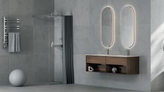 En av Norges høyeste fosser har inspirert oss til å skape en dusj med mye glass og god plass. Tynne, grafiske profiler gir et minimalistisk og stilrent uttrykk.