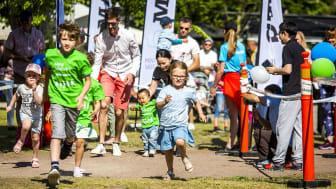 Minivarvet arrangeras nästa gång 16-17 maj. Totalt förväntas cirka 8.000 barn upp till 6 år att delta.