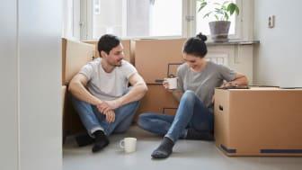 Både bostadsrätts- och villapriser steg med 1 procent i augusti.