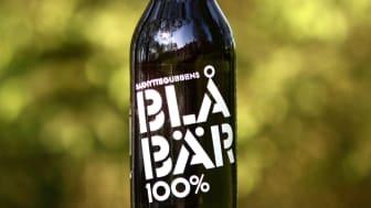 Den populära alkoholfria blåbärsdrycken Saxhyttegubbens Blåbär 100%  finns på Systembolaget samt i restauranger och livsmedelsbutiker över hela Sverige.