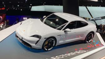"""Der Zurich Versicherungsbaustein """"Porsche Shield E-Cover"""" wurde als Ergänzungsdeckung zu bestehenden Vollkasko-Versicherungen entwickelt"""