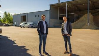 Björn Lennartsson, VD HL Energi och  Johan Lagerqvist, affärsansvarig Energi på Solör Värme. Foto: Pixpep