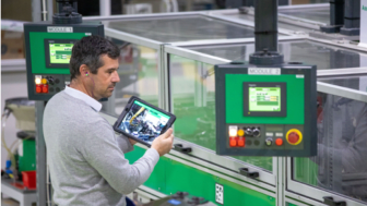 Schneider Electric lanserar EcoStruxure™ Plant Performance Advisors Suite för smarta industrier