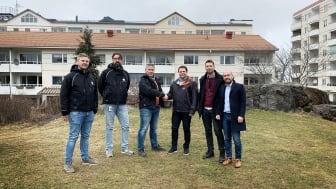 Från vänster: Benny Hesselgren, Niklas Hjelm och Roger Malmquist från Victoria Park, samt Stefan Younes, Jonathan Deal och David Gutierrez från Fastighetsägarna Service.