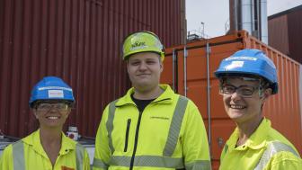 Anette Heijnesson Hultén, Nouryon, Johan Boström från Värmevärden och Marie Samuelsson från Nouryon testar en ny metod på Källhagsverket i Avesta för att minska utsläppen från värmeverk.