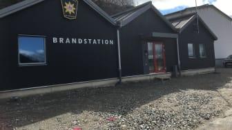 Nyrenoverad brandstation i Ljungskile.JPG