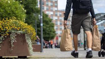 Sveriges kommuner är redo att ta nästa steg, skriva in i sina riktlinjer att återvunnet material ska väljas i första hand och bidra till ett mer hållbart samhälle, säger Pär Larshans, hållbarhetschef på Ragn-Sells.