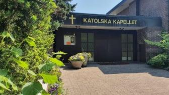 Sankt Andreas katolska församling är ett av de tiotalet trossamfund som tillsammans med Kristianstads kommun har bildat ett interreligiöst råd.