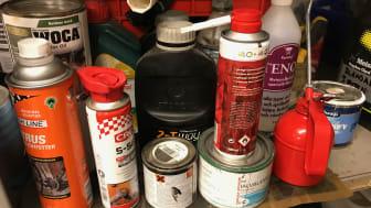 Farligt avfall är t ex kemikalierrester men även elektronikskrot, batterier och lysrör.