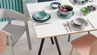 Ice Blue, Moon Grey, Night Blue: the new colours revive the classic and timeless Thomas collection Trend.