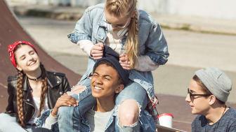 Projekt MEET arbetar för att på ett lustfyllt sätt stimulera hemmasittande ungdomar till eget engagemang för att bryta sitt utanförskap.