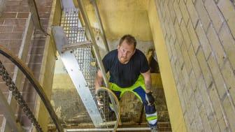 Avloppsteknikern Jerry Stjernström på uppdrag