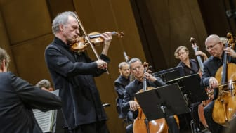 Kolja Blacher i Mendelssohns violinkonsert från Tonhallen 2019. Foto Lia Jacobi
