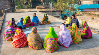 Swedish capital endorses women's economic empowerment in rural India. Picture from a weekly meeting with a borrowers group.