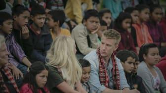 Nepal_Filip Berg och Penny i barnbyn Kavre