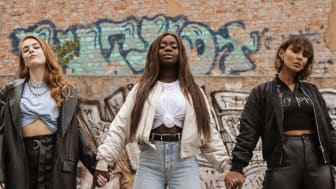 Elly Pistol lanserar Non-Violence kollektion som frontas av Dotter, Roshi Hoss och Renaida