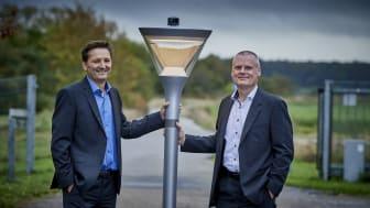 Martin Løbel (tv), CEO, Cibicom A/S og Henrik Wej Petersen (th), Direktør, SEAS-NVE