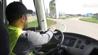 Utbildningen Yrkes-SFI för bussförare, en utbildning som hålls på Sjöbo Utbildningscentrum, har varit så framgångsrik att den satt Sjöbo kommun på kartan och skapat intresse från hela landet för hur man kan kombinera yrkes- och språkutbildnig.