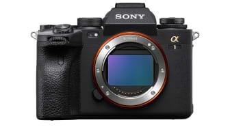 """Společnost Sony slaví vítězství na udílení cen TIPA 2021, očekávaně získala s modelem Sony Alpha 1 ocenění """"Nejlepší profesionální fullframový fotoaparát"""""""