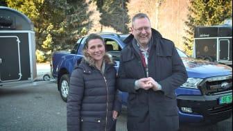 Klar for konkurranse: Partner i Hest360, prinsesse Märtha Louise, og administrerende direktør i Ford Motor Norge, Per Gunnar Berg utfordrer hele Norge til ryggekonkurranse.