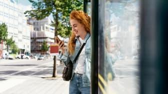 Nu kan bussresenärer i Skåne betala för sina resor utan att använda fysiska biljetter.