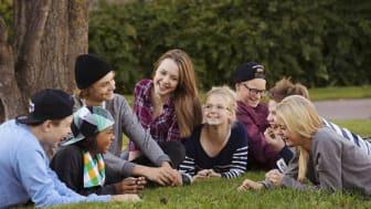 Hedemora kommun och Södra Dalarnas Sparbank vill få alla sjuor att gå med i Ung Livsstil för att motverka användning avdroger.