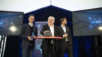 Petter-Børre Furberg (left), Erik Hanstad og Nikolai Astrup today opened Scandinavia's largest 5G pilot in the municipality of Elverum. Photo: Martin Fjellanger