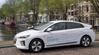 I Amsterdam  er 100 elbiler som denne til disposisjon for fastboende og besøkende.