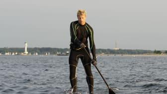 Michael Walther beim Stand Up Paddling auf der Kieler Förde