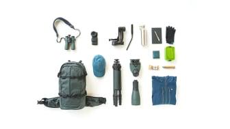Den nye GEAR kollektion fra SWAROVSKI OPTIK inkluderer en rygsæk, handsker, hatte, tørklæde og en vandflaske